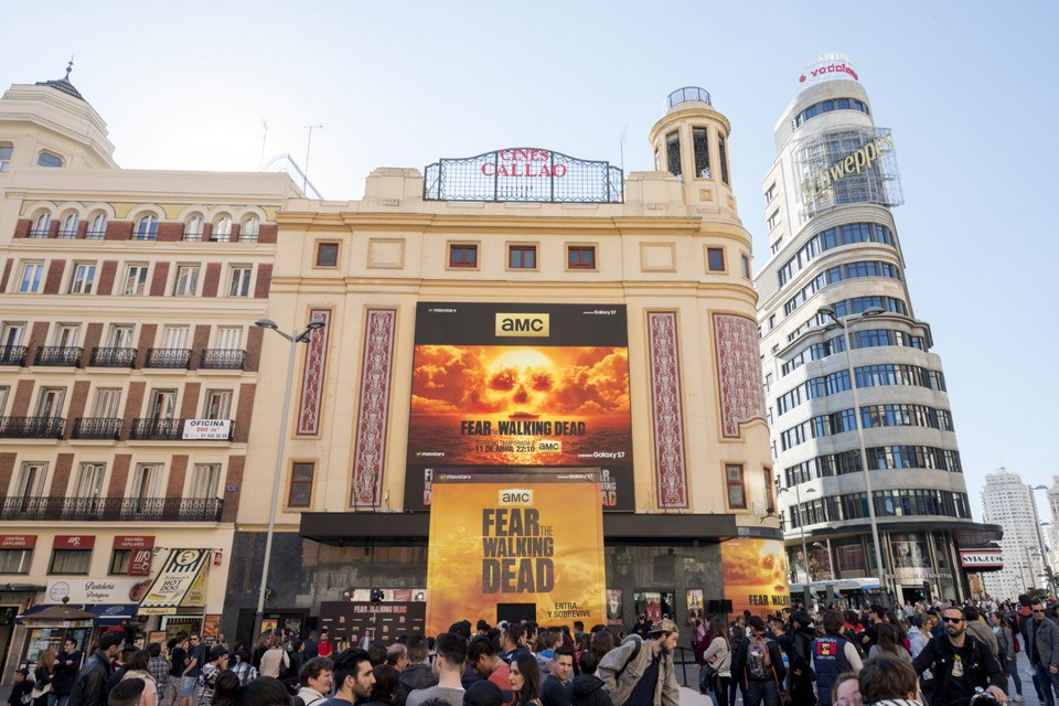 143757-alfabetajuega-fear-the-walking-dead-premiere-callao-1-100416